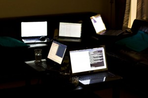 Stillleben 'Rechner bei Nacht'