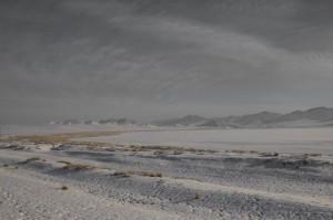 Ein schneebedeckter Salzsee nördlich von Darkhan