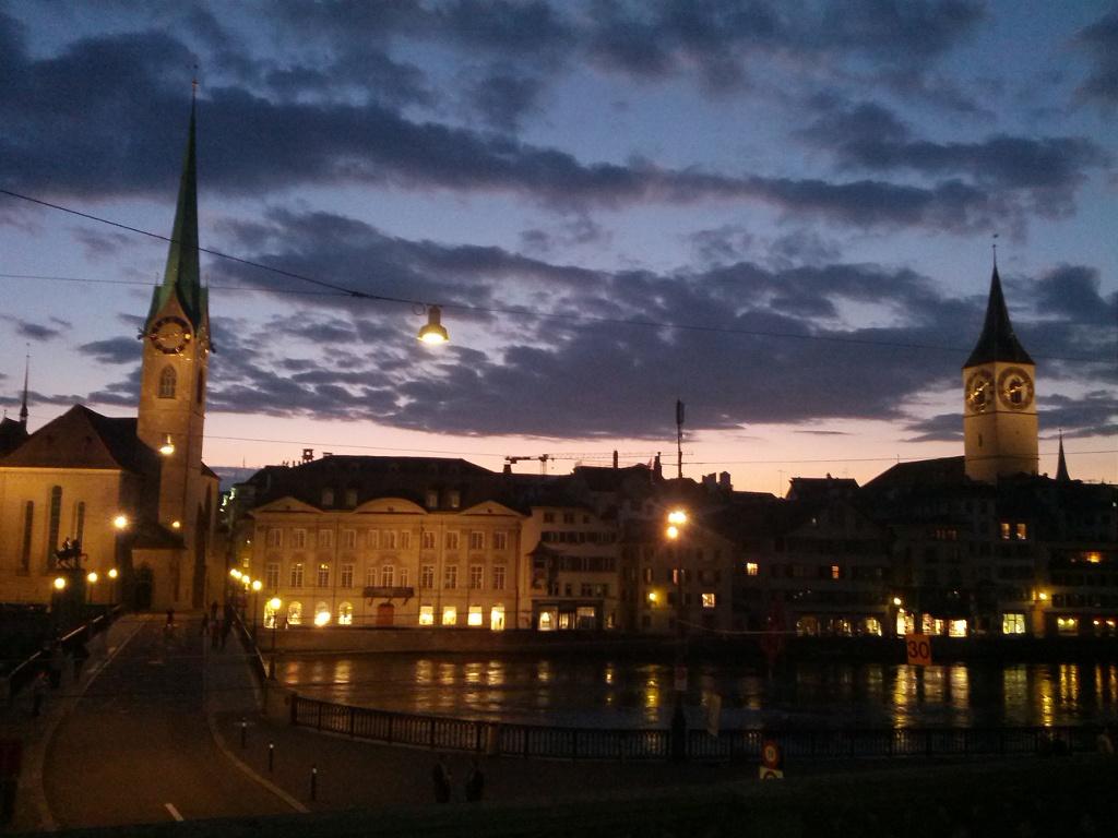 Zürich in der Abenddämmerung