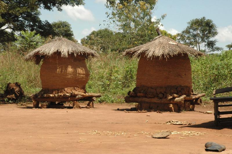Nahrungsmittellagerung in Afrika Foto von Marc Bernard